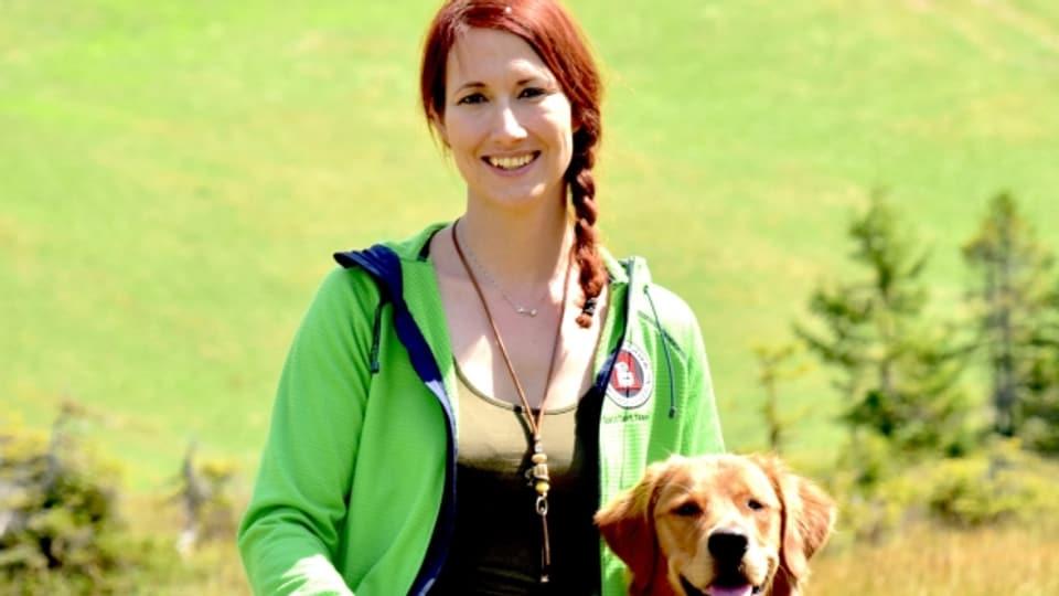 Leonie Barandun-Alig mit Hund «Q»