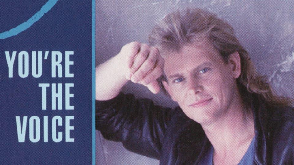 """The  Man, The Voice, The Hair - John Farnham landet mit """"You're The Voice"""" einen Hit aus Australien."""