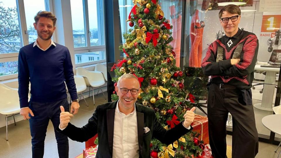 Patrick Angele (links) und Felix Fischer (rechts) zu Besuch bei Dani Fohrler