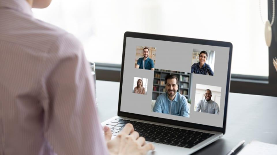 Homeoffice und mit ihm die Videokonferenzen haben 2020 in vielen Haushalten Einzug gehalten.