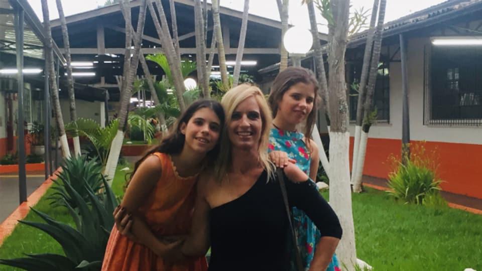 Ein super Team: Barbara Marty mit Töchtern Jana und Lena.