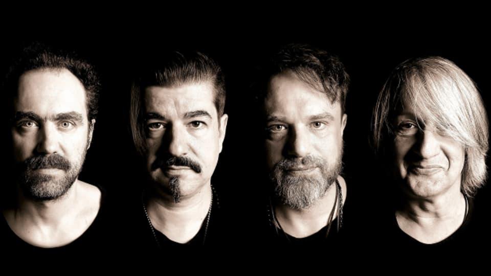 Schwarz auf weiss: Das ist die Ellis Mano Band, mit neuem Album live zu Gast