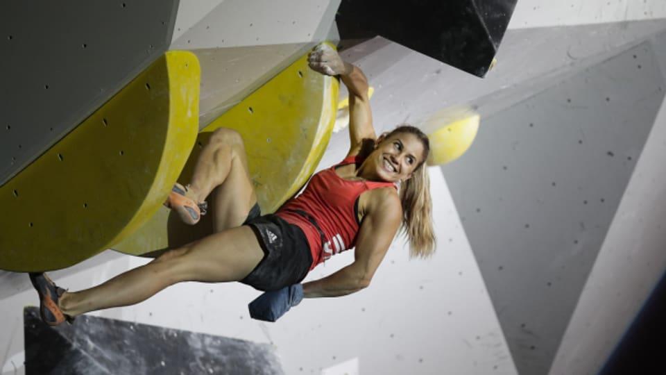 Beim Bouldern geht es um Dynamik, Kraft und um das Weiterkommen an der Wand