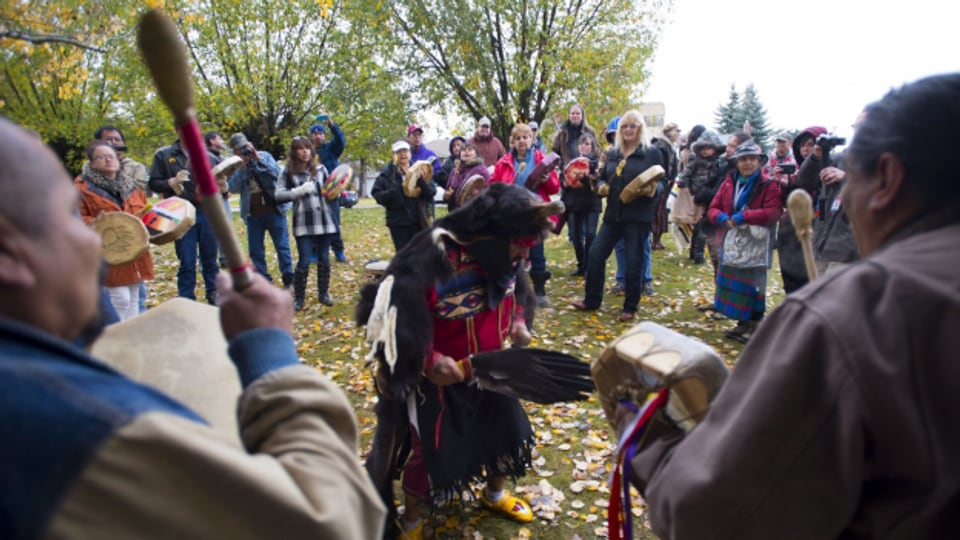 Missionare aus Europa stahlen den Indigenen in Kanada und in den USA ihre Kultur.