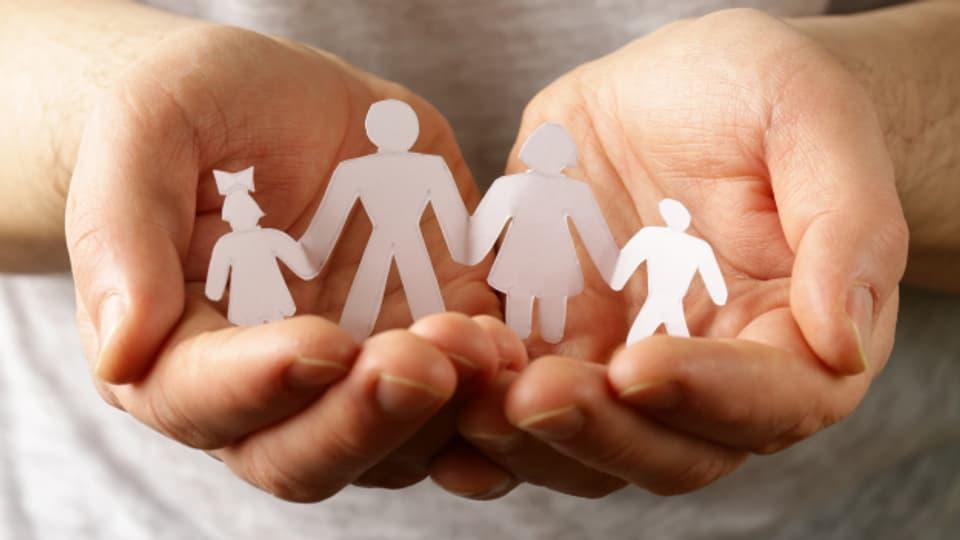 Wer als Pflege- oder Heimkind 18 Jahre alt wird, muss unter Umständen seine Familie verlassen.
