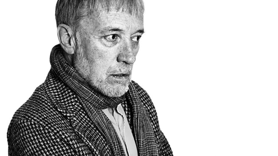 Sein literarisches Wirken begann er als Lyriker, in den letzten drei Jahrzehnten sind indes eine Vielzahl von Romanen entstanden: Urs Faes.