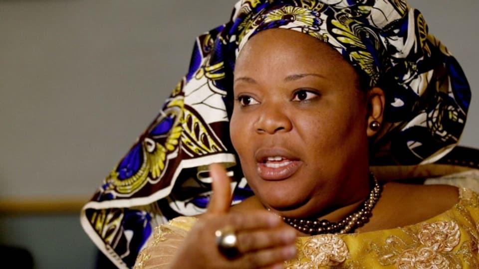 In der Farbe des Friedens gegen das Regime in Liberia: Friedensnobelpreisträgerin Leymah Gbowee.