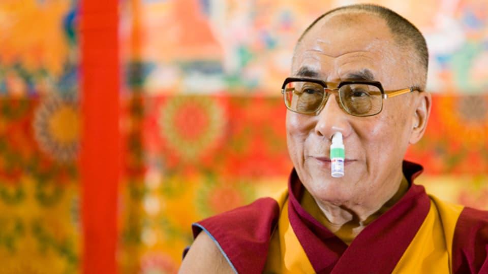 Der Dalai Lama gewinnt mit Charme und Schalk die Herzen der Menschen.