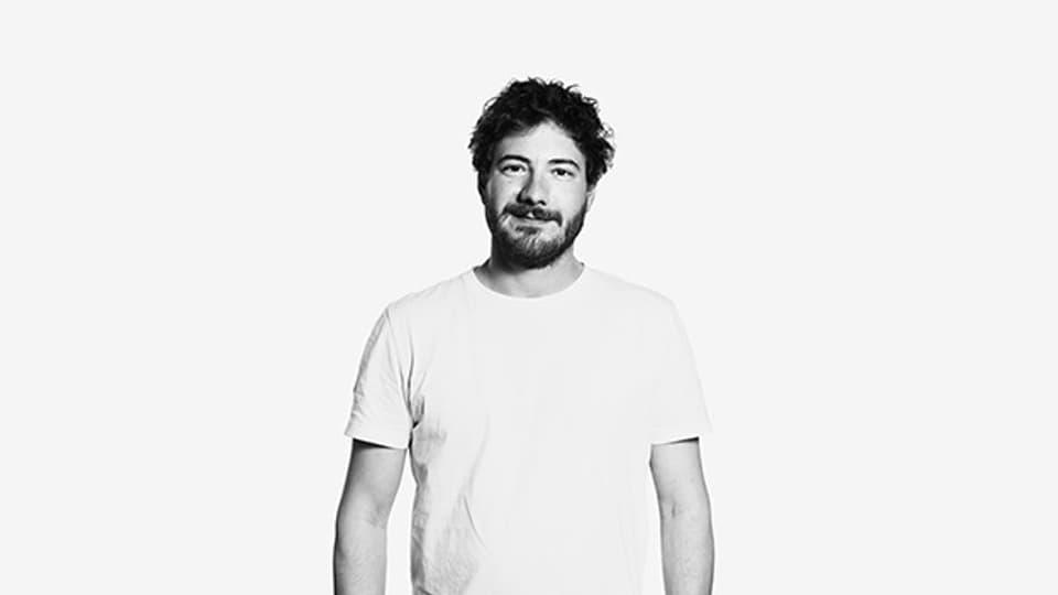 Frédéric Zwicker wurde 1983 in Lausanne geboren.