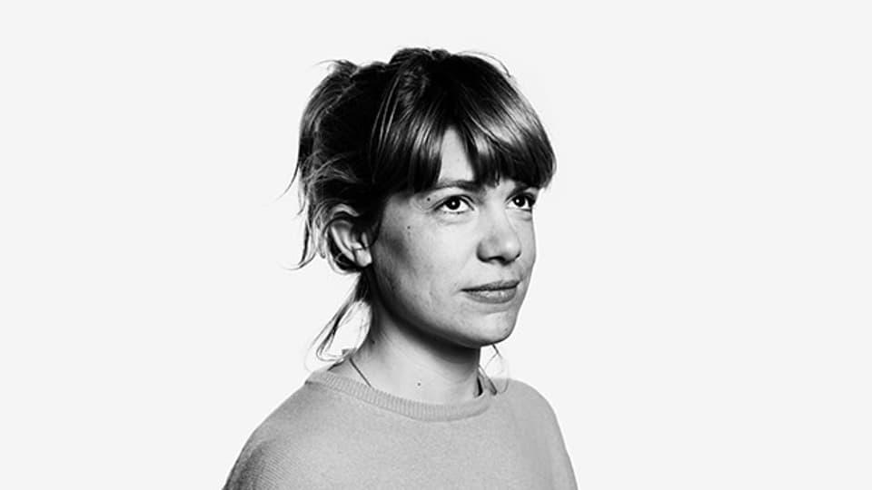 Julia Weber wurde 1983 in Moshi (Tansania) geboren.