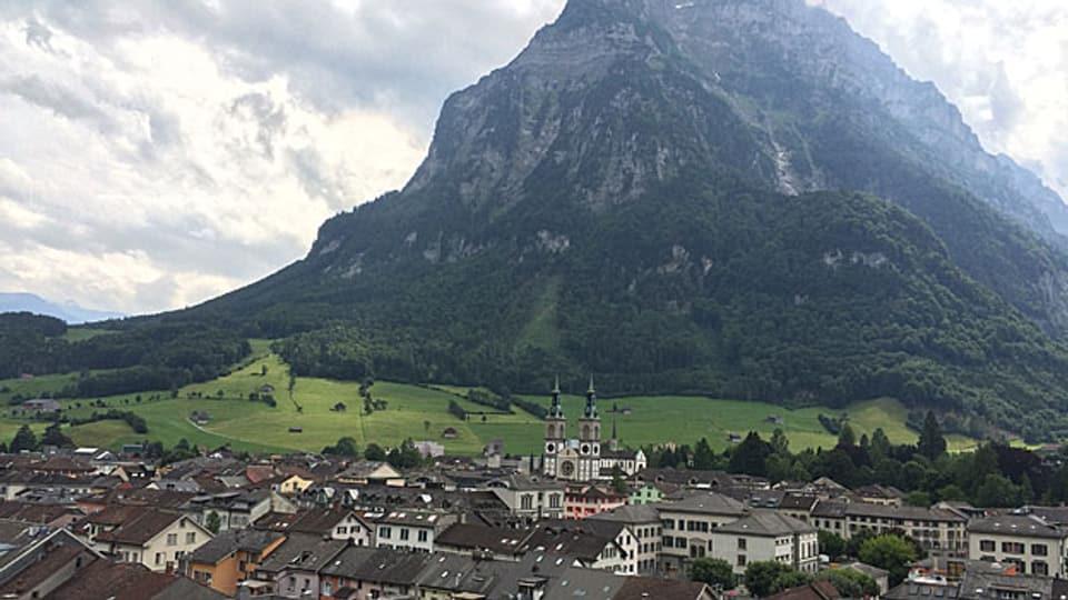 Blick auf Glarus und Glärnisch