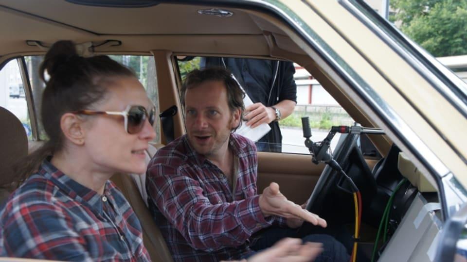 Anne Ratte-Polle (Bixi) und Fabian Busch (Albert) während der Aufnahmen.