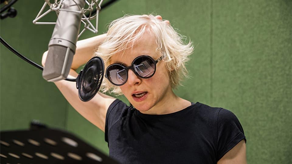 Die Schauspielerin Anne Müller während der Aufnahmen.