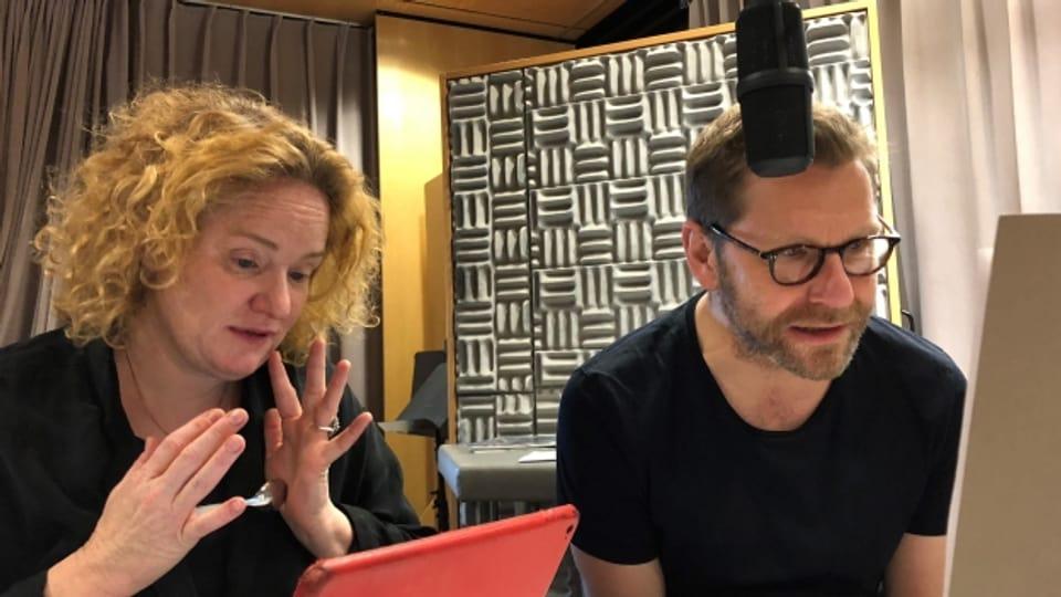 Samuel Streiff und Fabienne Hadorn im Studio