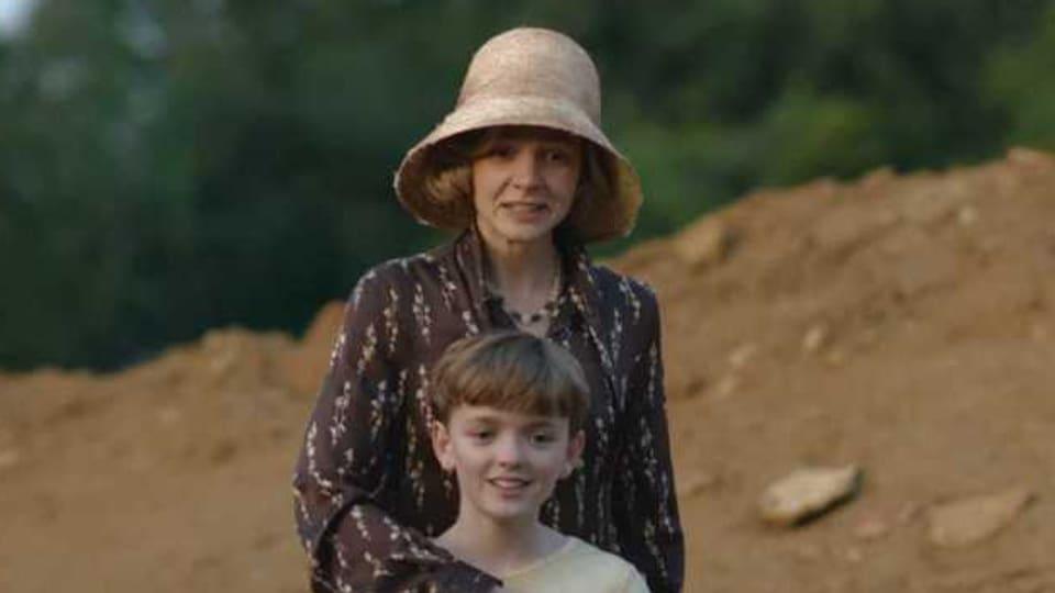 Carey Mulligan und Archie Barnes in «The Dig»