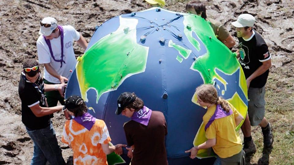 Eine symbolische Erde im Pfadfinder Bundeslager, 2009.