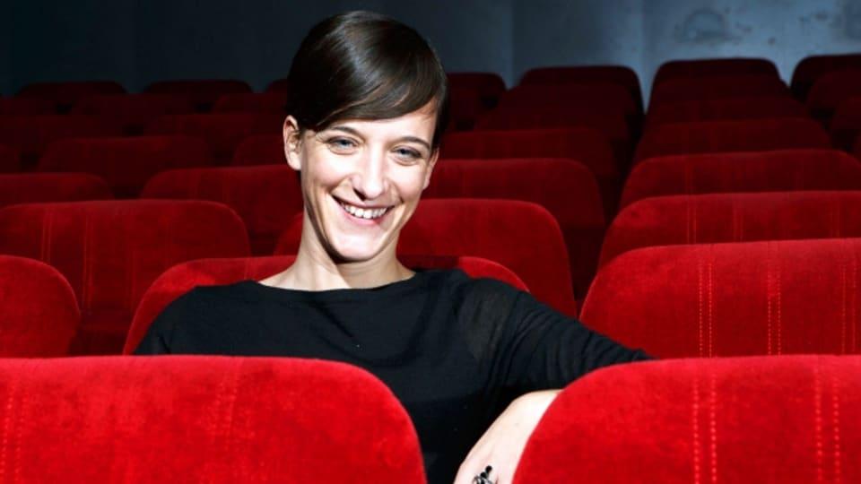 Isabelle Gattiker (Bild) lädt die Filmproduzentin Francine Lusser zum Gespräch.