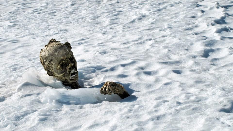 Eismumie – durch das Schmelzen der Gletscher kommen sie nach Jahren im Eis zum Vorschein.