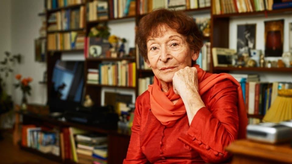 Die Schweizer Schauspielerin Monica Gubser spielt mit 86 Jahren ihre erste Filmhauptrolle in Rolf Lyssys neuem Film «Die letzte Pointe».