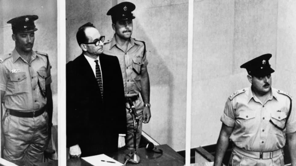 Adolf Eichmann muss sich in Jerusalem für die Ermordung von sechs Millionen Menschen verantworten
