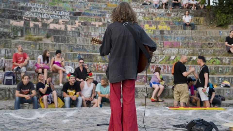 Amateur-Musikerinnen und -Musiker bringen oft eine hohe Leidenschaft mit.