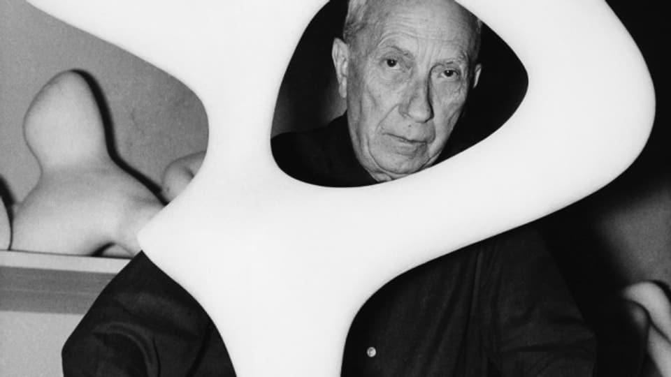 Daniel Mouthon und Dieter Ulrich zollen Dada-Grössen wie Hans Arp in ihrem Stück Tribut.