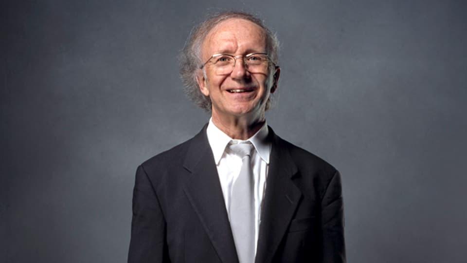 Porträt des Schweizer Dirigenten und Komponisten Heinz Holliger, aufgenommen am 21. August 2005 im KKL in Luzern.