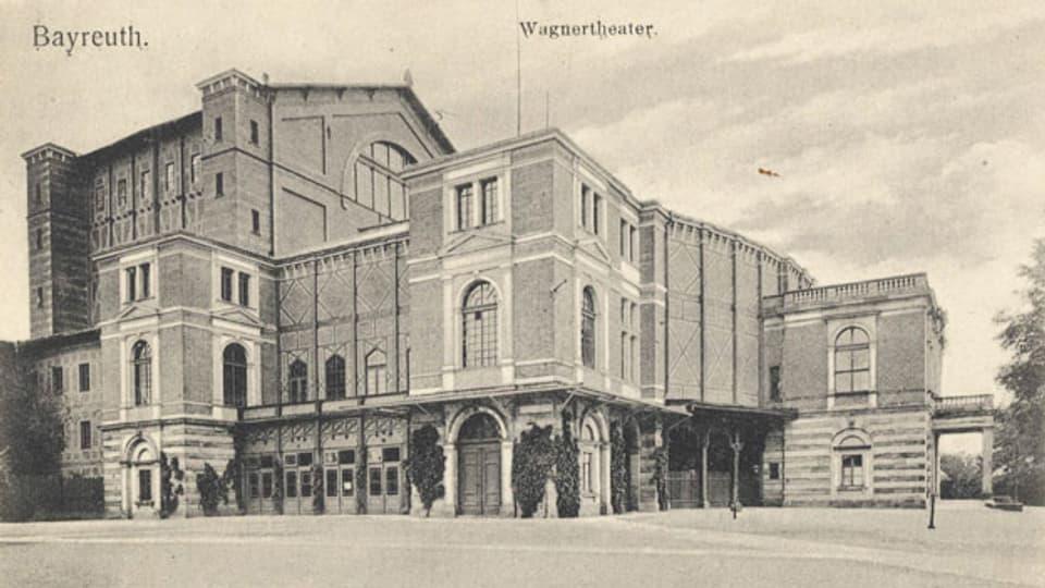 Das «Wagnertheater» Bayreuth auf einer Postkarte, um 1900.