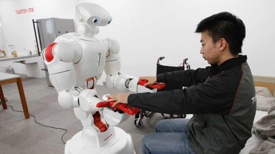 Werden Pflegeroboter irgendwann den Menschen ersetzen?