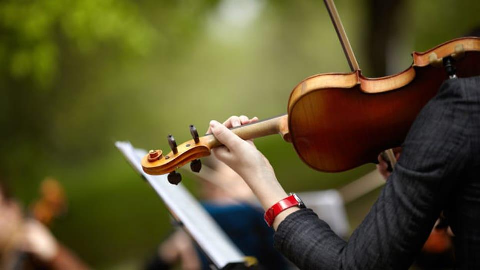 Möchte man als Musikerin bis ins hohe Alter aktiv sein, ist die richtige Haltung unerlässlich.