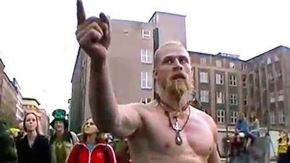der Techno Viking ging Viral. Heute gibt es sogar einen Dokfilm über ihn.