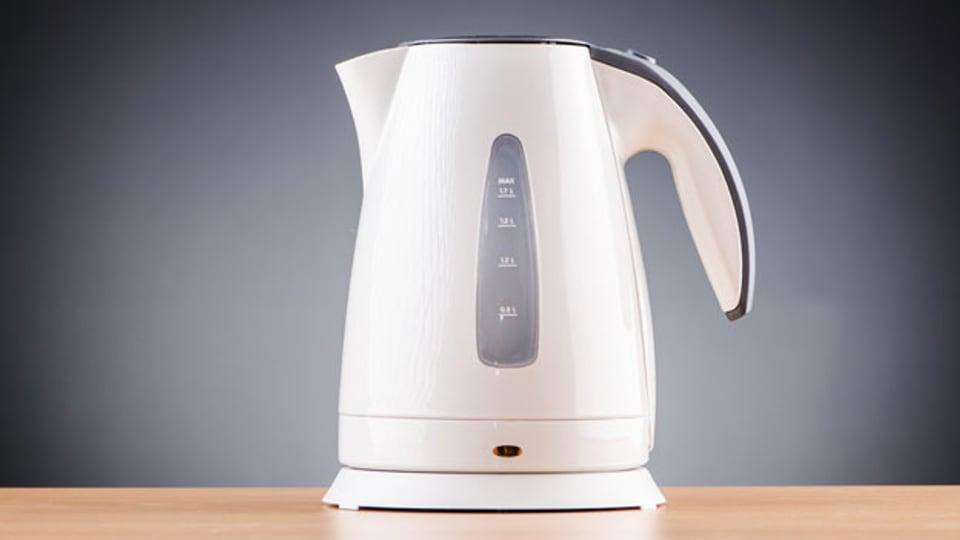 Das Rauschen des Teekochers.