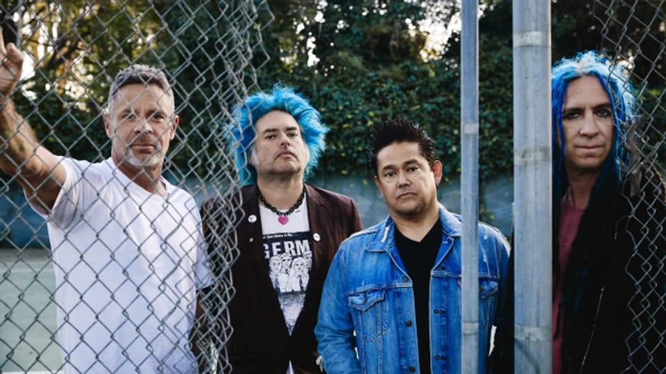 Lauter und spassiger Melodic Punk heisst nicht, dass man keine ernsten Themen ansprechen kann: NOFX um Fat Mike (2.v.l.) sind engagierter und sozialkritischer denn je.