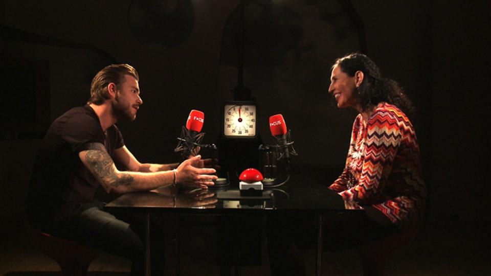 Sänger Baschi trifft Politologin Regula Stämpfli.