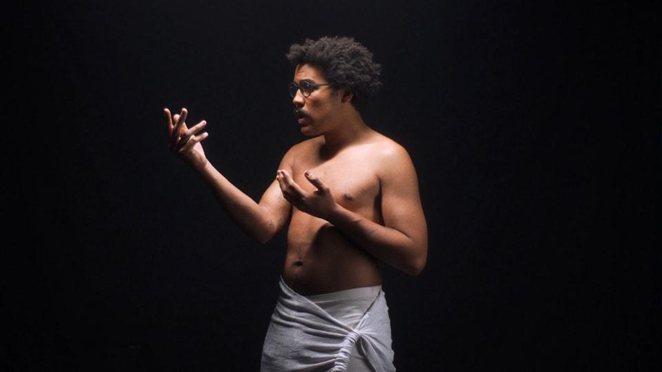 Zeigt sich im Video zu seinem neusten Song von seiner gewohnt besten Seite: Dino Brandão