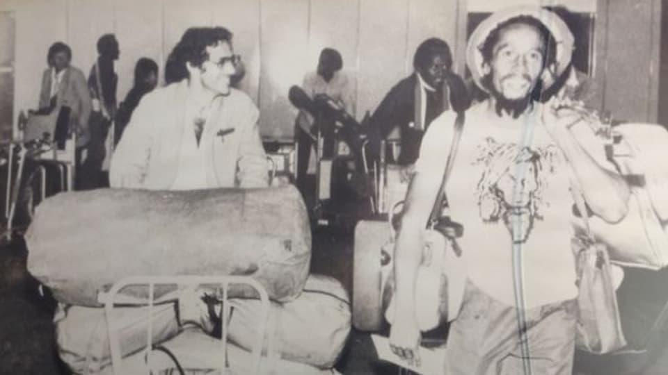 Schawinski holt Bob Marley am Flughafen Kloten ab - am 30.5.1980