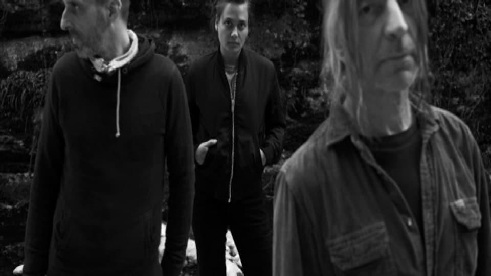 Als /A lassen Emilie Zoé, Franz Treichler und Nicolas Pittet ihre Klangwelten verschmelzen.
