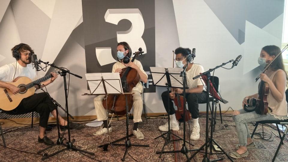 Dank Panda Lux hängt der Himmel im punkt CH heute voller Geigen (und Cello).