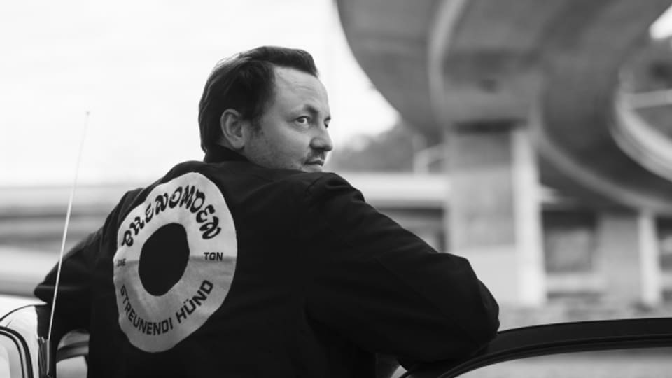 Phenomden überrascht nach 10 Jahren mit seinem neuen Album «Streunendi Hünd»