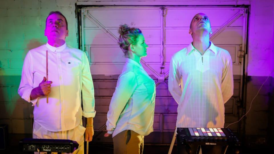 Penya aus London lassen Elektronik-Dance-Sound mit Folklore Rhythmen verschmelzen.
