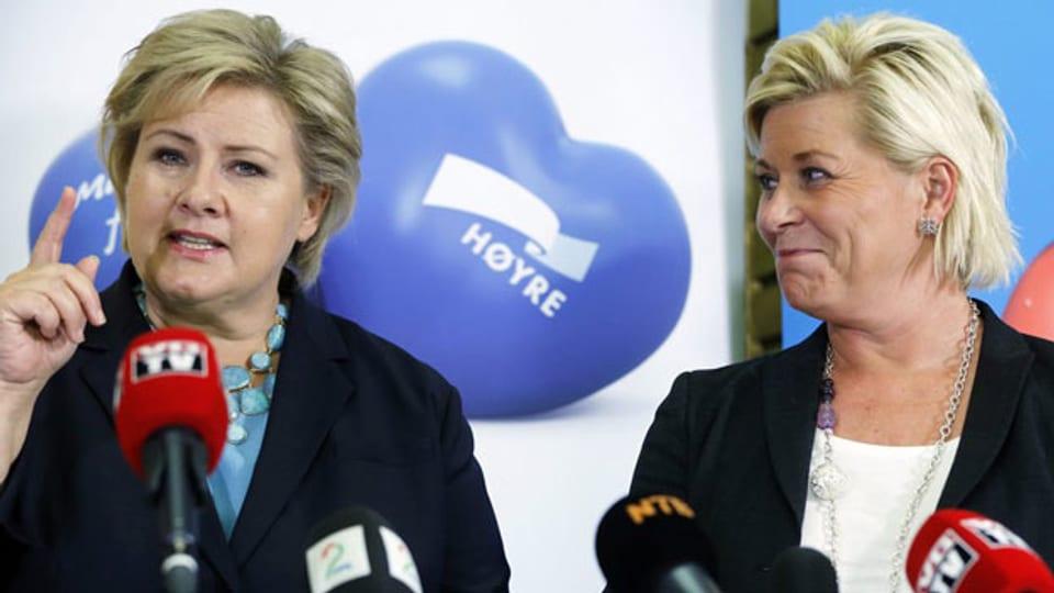 Erna Solberg (links) und Fortschrittspartei-Chefin Siv Jensen