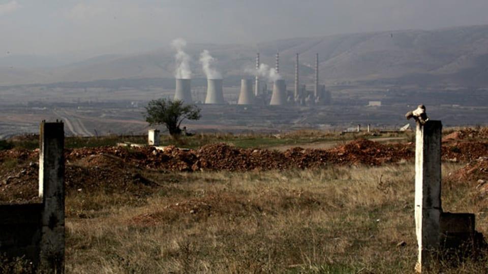 Das Kohlekraftwerk von Kardia nahe der Stadt Kozani,  rund 500 km nördlich von Athen. Kozani ist noch einer der wenigen Orte, wo man Arbeit findet.