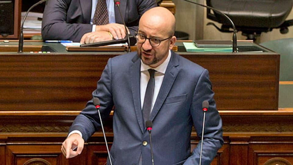 Belgien will mit zusätzlichen 400 Millionen Euro den Kampf gegen islamistische Gewalttäter verstärken Das hat Ministerpräsident Charles Michel vor dem Parlament verkündet.