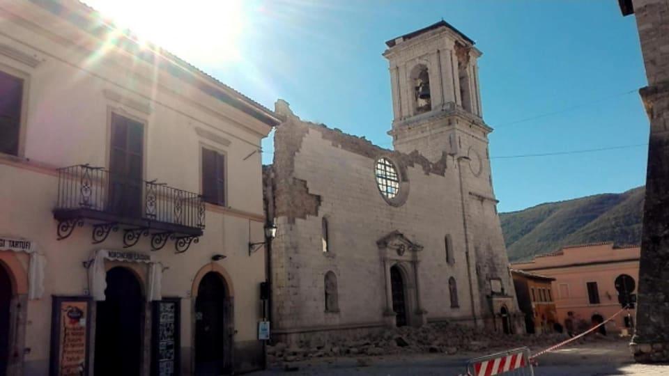 Norcia kommt nicht zur Ruhe. Schon wieder grosse Zerstörung im mittelitalienischen Dorf.