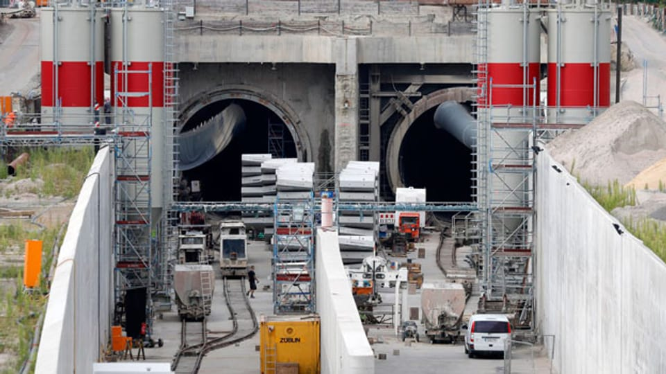 Durch den Tunnelbau in Rastatt hat sich unter den Gleisen der Boden gesenkt.