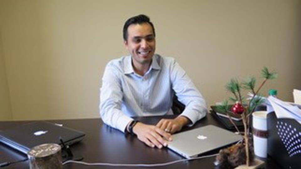 Jungunternehmer Jesus Adame. Er war bis vor drei Jahren unter DACA in den USA. Jetzt hat er die Greencard und leitet ein Unternehmen mit 90 Angestellten.