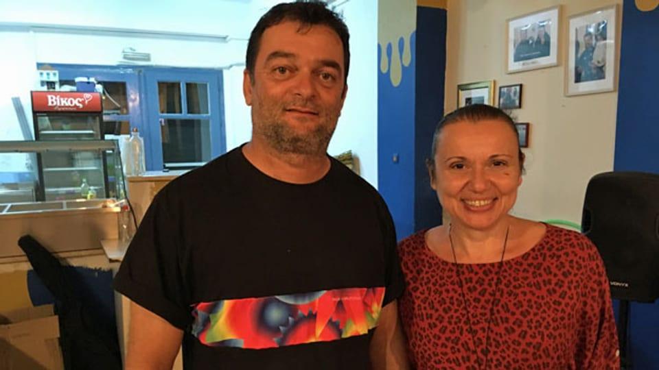 Nikos und Katerina in ihrer Taverne.