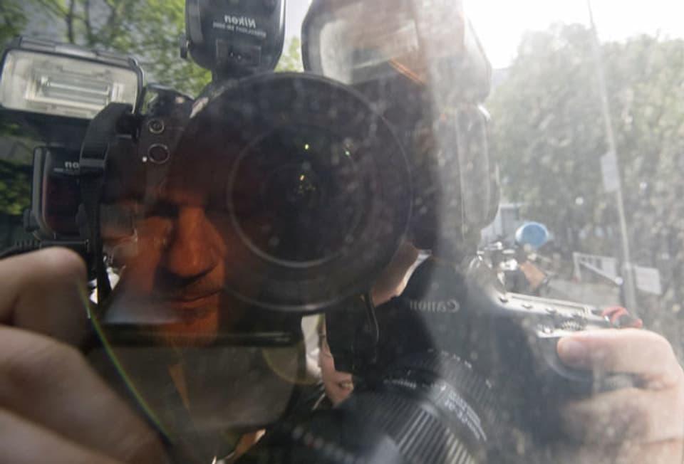 Assange wird in London zum Gericht gefahren