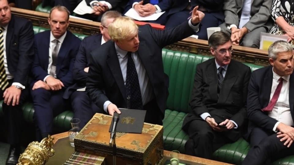Premier Johnson droht jetzt mit Neuwahlen.