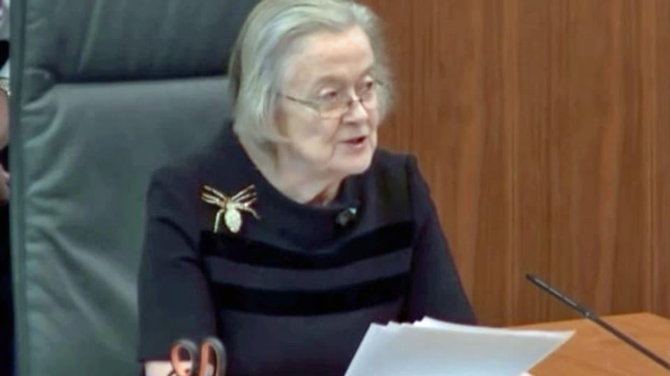 Die Leiterin des Obersten Gerichtshofs des Vereinigten Königreichs, Lady Brenda Hale, verkündet, dass die Entscheidung des britischen Premierministers Boris Johnson, das Parlament auszusetzen, rechtswidrig war. Standbild aus Fernsehaufnahmen des Obersten Gerichtshofs / Parlaments..